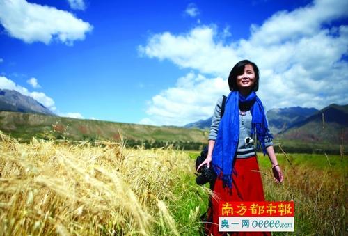 刘晓旋将旅行的感悟写成诗并出版。 受访者供图